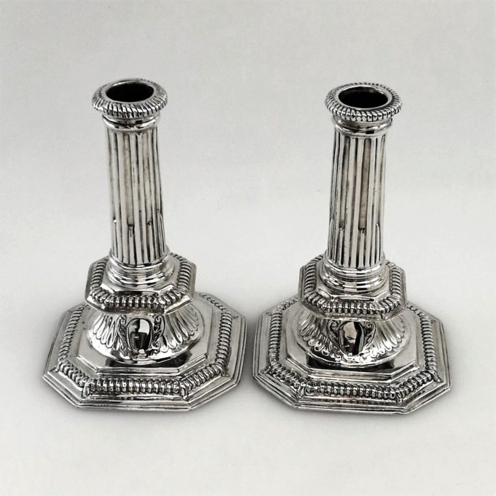 WILLIAM III ANTIQUE BRITANNIA SOLID SILVER CANDLESTICKS 1698 RICHARD SYNG CANDLE HOLDERS